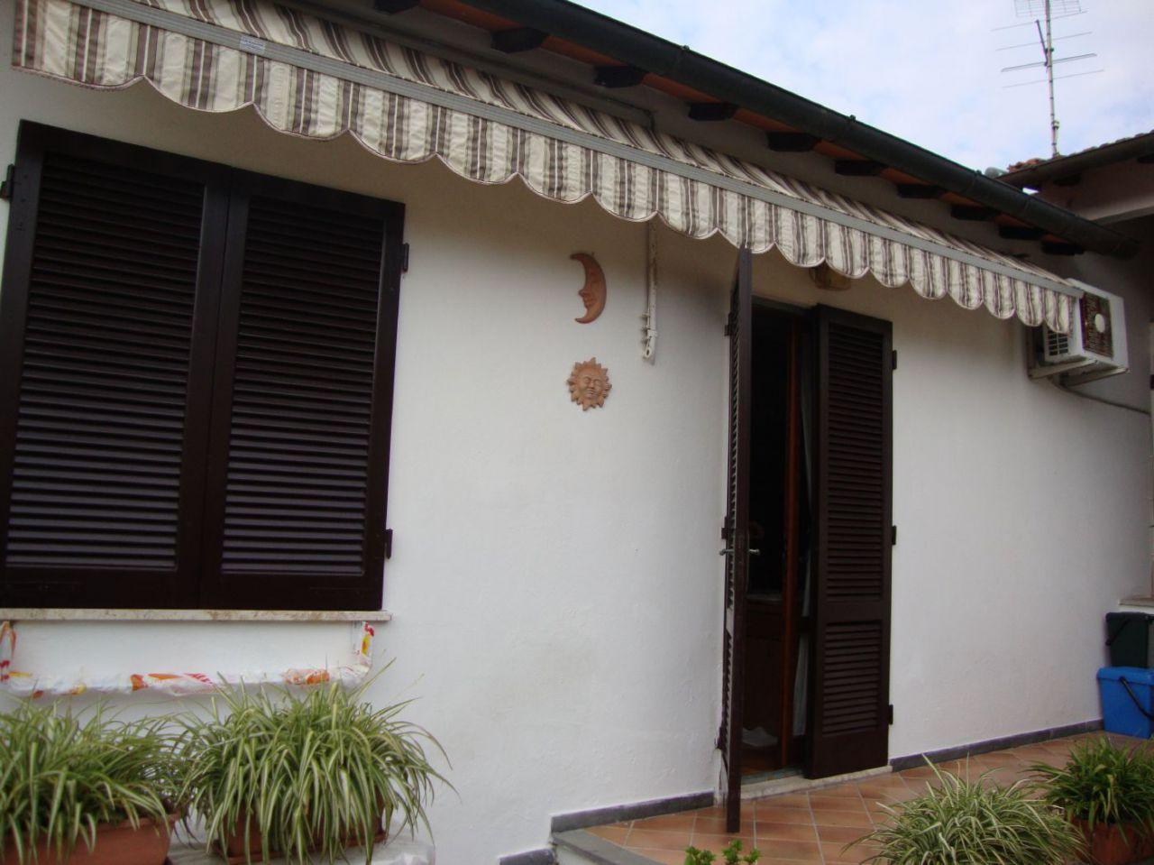 casa indipendente vendita pietrasanta