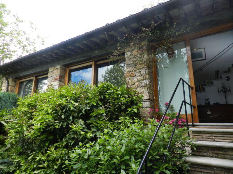 villa vendita pietrasanta collina