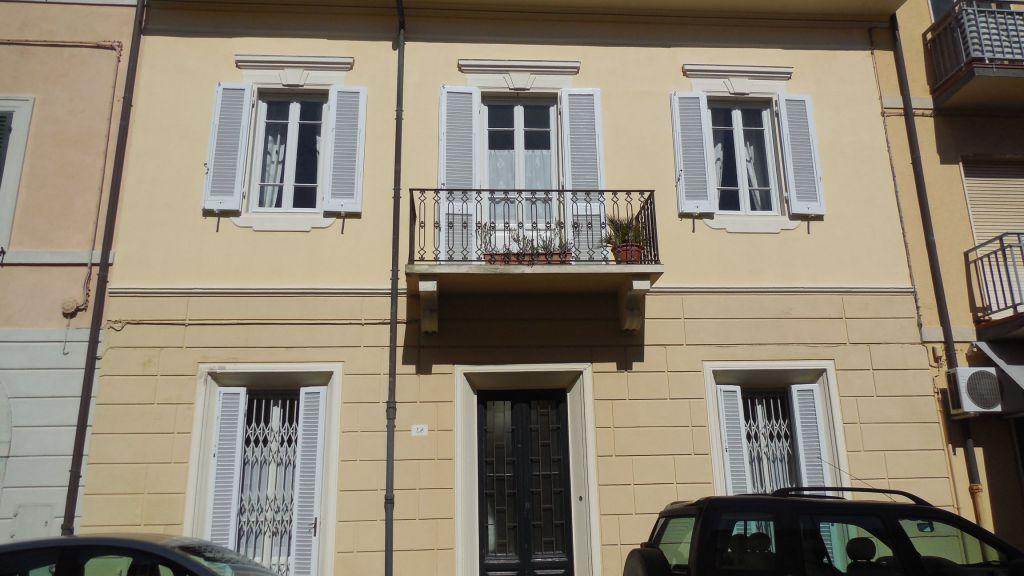 casa indipendente vendita viareggio centro mare